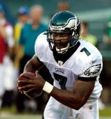 Philadelphia Eagles have resigned Michael Vick
