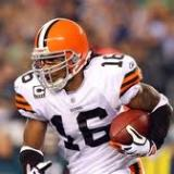 Josh Cribbs signs with the Oakland Raiders